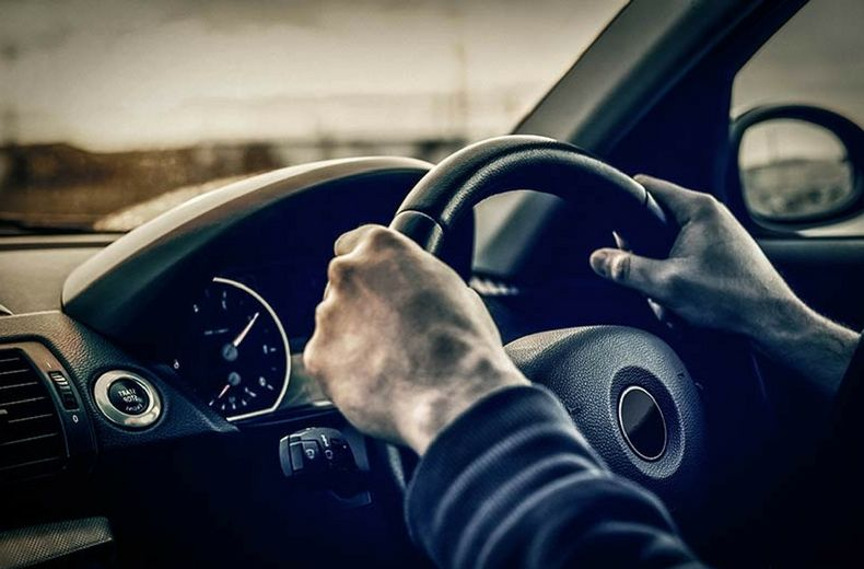การขับรถ